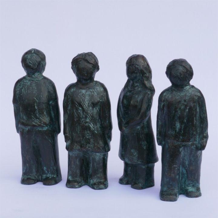 4 personnages - 19 cm